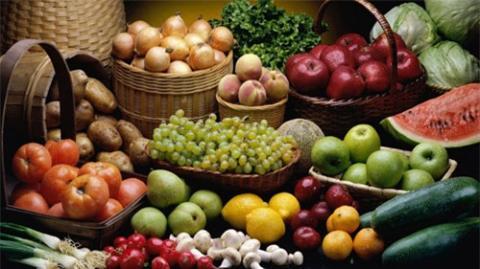 Một trong những việc có thể giúp bạn làm chậm và ngăn ngừa quá trình lão hóa đó là bổ sung đầy đủ các chất dinh dưỡng có trong những thực phẩm vào những bữa ăn hằng ngày của mình