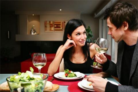 Bí quyết giúp bạn đánh bại chứng thèm ăn khuya