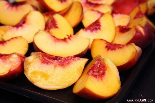 """Những món ăn khiến sức khỏe """"tả tơi"""" vào mùa hè"""