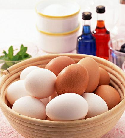 Vì sao không nên cất trứng ở cửa tủ lạnh?