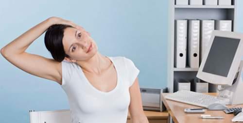Bí quyết để ngăn ngừa các cơn đau cổ khi làm việc
