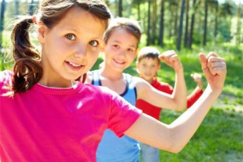 Để giữ gìn và bảo vệ sức khỏe của mình thì việc ăn ăn uống lành mạnh và cân bằng với đầy đủ những dưỡng chất thiết yếu là điều kiện rất cần thiết. nếu thiếu hụt một trong các dưỡng chất cần thiết nào cũng sẽ tạo điều kiện cho mầm bệnh phát triển