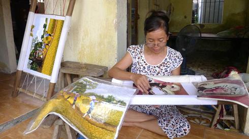 Hiện nay tranh thêu chữ thập rất phổ biến ở Việt Nam, nhất là ở Hà Nội và Sài Gòn (Ảnh minh họa)