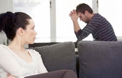 Dấu hiệu cho thấy nam giới yếu sinh  lý