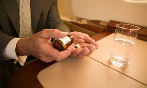 Lạm dụng thuốc giải rượu có thể dẫn đến những nguy hiểm cho sức khỏe. Ảnh minh họa