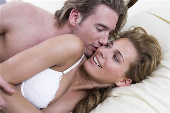 Sex là một cách tuyệt vời để tăng nhịp tim của bạn, quan hệ tình dục giúp giữ estrogen và testosterone cân bằng. Ảnh minh họa: Bleuvous.