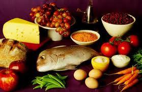 thực phẩm cần hạn chế khi có bầu
