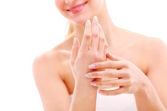 Collagen tác dụng rất lớn lên với da, tóc, móng