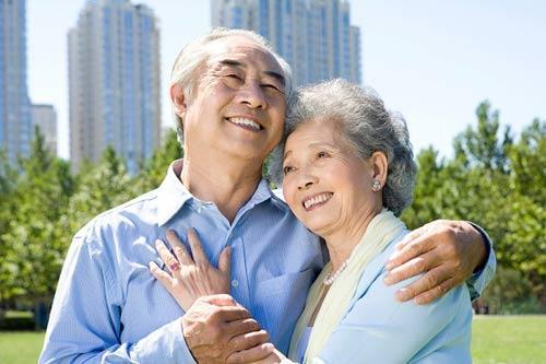Chăm sóc sức khỏe xương khớp để cuộc sống về già khỏe mạnh