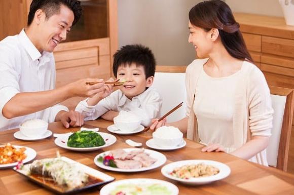 Bữa ăn là thời gian để gắn bó và thể hiện tình yêu gia đình!