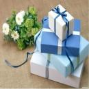 Tặng quà phụ nữ: Dễ hay không dễ?