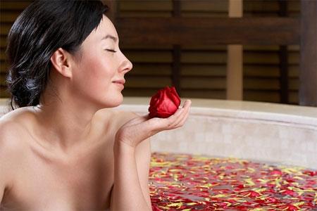 Riêng với làn da con người, hoa hồng có một tác dụng vô cùng tuyệt vời