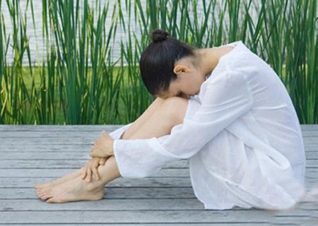 Tình trạng suy giảm nội tiết tố nữ và những điều cần biết