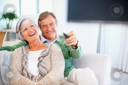 3 bệnh truyền thống về mắt của người lớn tuổi