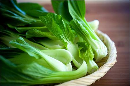 Những loại rau lá nào chứa nhiều vitamin nhất?