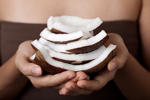 Bí quyết khắc phục tình trạng rụng tóc sau sinh
