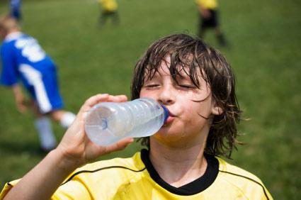 Mùa hè trẻ dễ mắc bệnh gì?