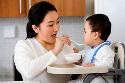 Những thực phẩm nên tránh cho bé theo độ tuổi