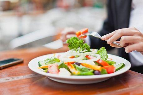 Người cao tuổi nên ăn uống như thế nào để tốt cho sức khỏe?