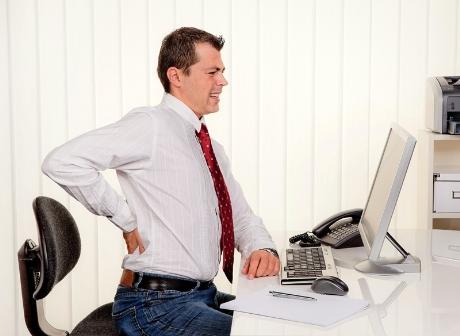 Người làm việc văn phòng dễ mắc phải những bệnh nào?