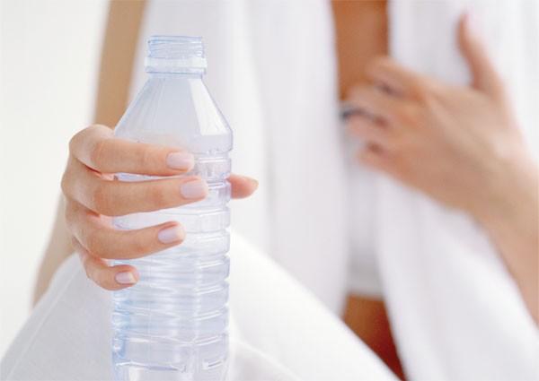 Uống nước là phương pháp giảm cân hiệu quả