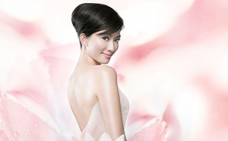 Sử dụng Pure White Shiseido mỗi ngày để có một làn da tươi trẻ