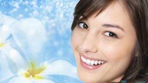 Sử dung Kirkland Signature Fresh Mint Fluoride Pro Complete Plus Whitening Toothpaste mỗi ngày để có hàm răng trắng sáng, chắc khỏe