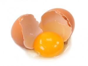 Lutein được tìm thấy nhiều trong lòng đỏ trứng gà