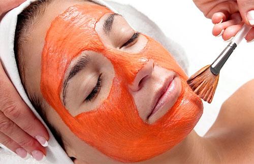 Mặt nạ cà rốt và mật ong cung cấp độ ẩm, chống nhăn da