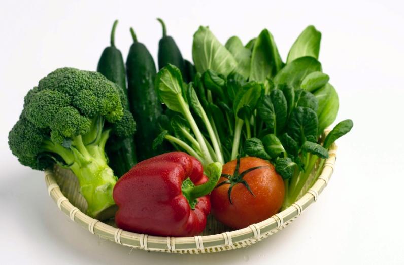 Rau xanh cung câp canxi, sắt, vitamin A, vitamin C