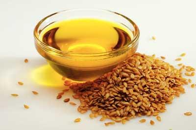 Tinh dầu hạt lanh chứa omega-9 giúp phòng ngừa các bệnh về tim mạch và ung thư vú
