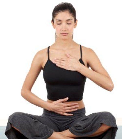Hít thở sâu giúp bạn bình tỉnh và thoải mái hơn
