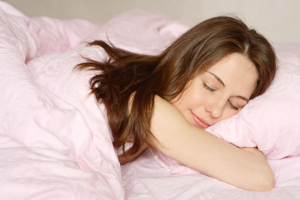 Bạn nên ngủ từ 7-10 giờ mỗi đêm và đi ngủ vào cùng một thời điểm mỗi đêm