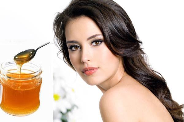 Mật ong một nguyên liệu làm da mịn màng và trắng sáng hơn